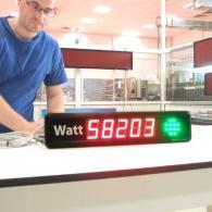 Display Energy-Tutor con consumo in Watt e semaforo verde