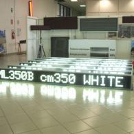 Striscia gigante led bianchi con messaggi variabili da esterno