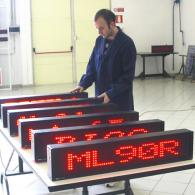Led display rosso per messaggi pubblicitari e informazione per negozi