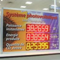 "Photovoltaic plant display monitor, with french (français) writings ""Système photovoltaique"""