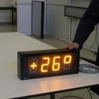 Display da esterno giallo altezza cifre 10 cm per visualizzazione temperatura in esterno. Produzione Italia