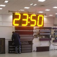 Cronometro gigante a led, visibilità diurna. Produzione Italia