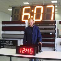 Display orologio con sincronismo orario GPS, protezione IP65