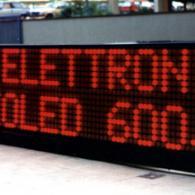 Striscia led a doppia riga rosso 6 metri x 1 metro per messaggistica