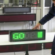 Tabellone con semaforo per produzione e logistica avanti-go