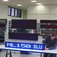 Riga led blu per comunicazione pubblicitario pilotabile da PC o telecomando