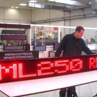 Display a led monoriga ML250R 2,5 m per messaggi variabili scorrevoli da PC