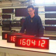 Orologio industriale a led con ricevitore GPS. Prodotto Italia