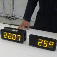 Display orologio versione bifacciale e monofacciale giallo ora e temperatura