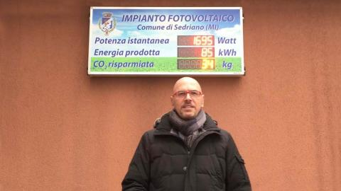 Display a led impianto fotovoltaico Movimento 5 stelle